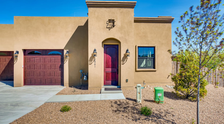 2901 Viale Ct Santa Fe NM-large-001-001-Exterior Front-1500x1000-72dpi