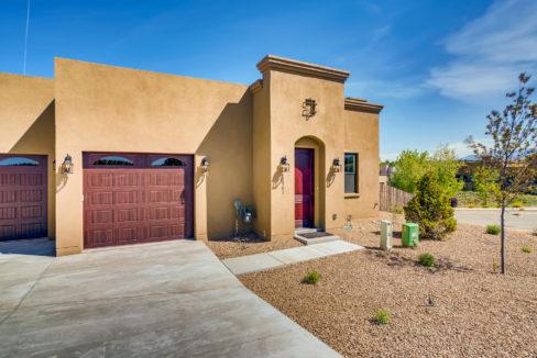 2901 Viale Ct Santa Fe NM-large-002-004-Exterior Front-1499x1000-72dpi