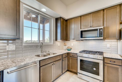 2901 Viale Ct Santa Fe NM-large-011-009-Kitchen-1500x1000-72dpi