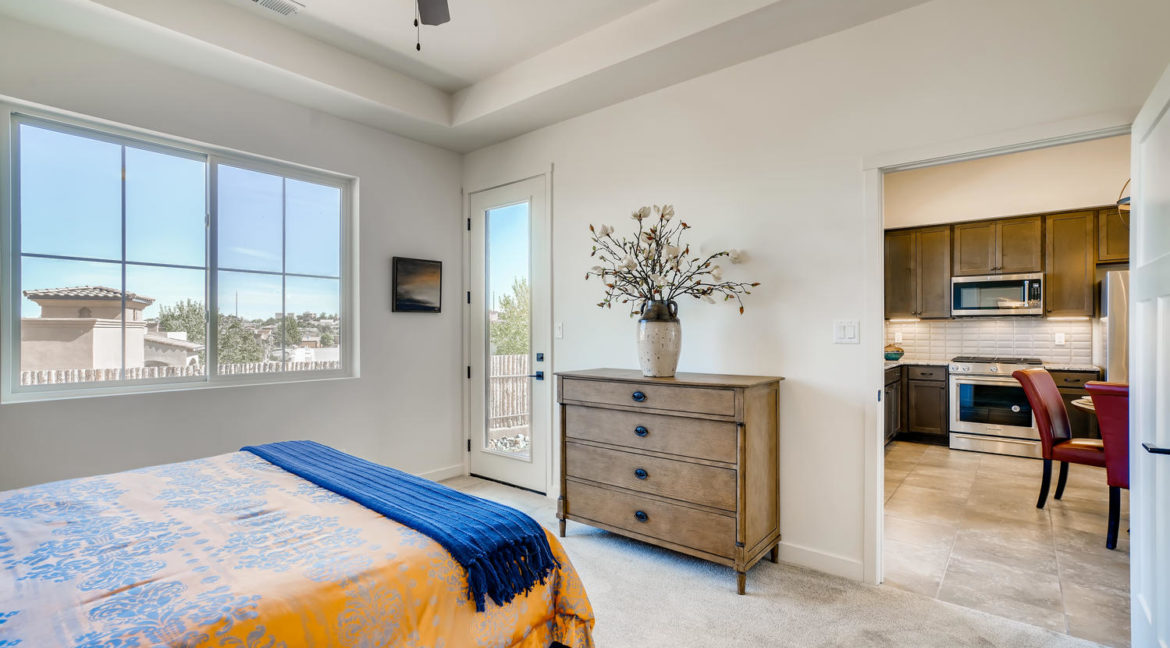 2901 Viale Ct Santa Fe NM-large-013-013-Master Bedroom-1499x1000-72dpi