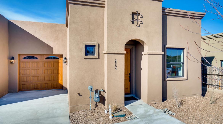 2905 Viale Court Santa Fe NM-large-001-001-Exterior Front-1500x1000-72dpi