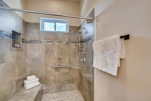 2905 Viale Court Santa Fe NM-large-012-011-Master Bathroom-1499x1000-72dpi
