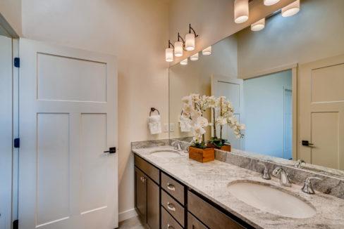 2905 Viale Court Santa Fe NM-large-013-010-Master Bathroom-1499x1000-72dpi
