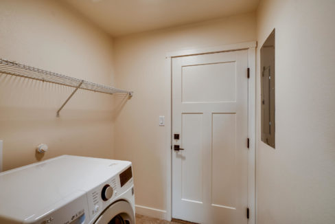 2905 Viale Court Santa Fe NM-large-017-017-Laundry Room-1499x1000-72dpi