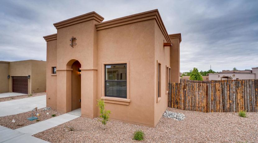 3166 Viale Cetona Santa Fe NM-large-001-012-Exterior Front-1499x1000-72dpi