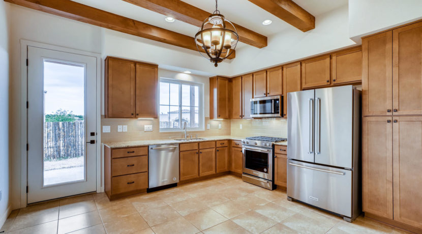 3166 Viale Cetona Santa Fe NM-large-006-005-Kitchen-1500x1000-72dpi