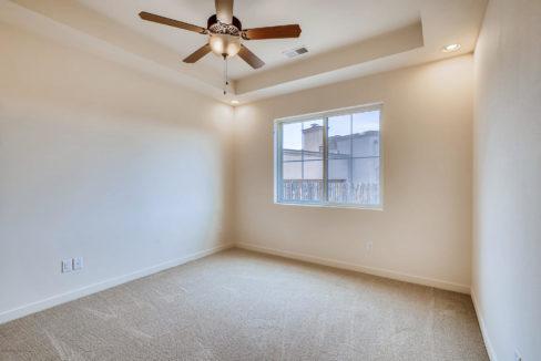 3166 Viale Cetona Santa Fe NM-large-009-004-Master Bedroom-1499x1000-72dpi