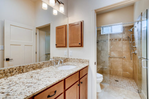3166 Viale Cetona Santa Fe NM-large-012-009-Master Bathroom-1499x1000-72dpi