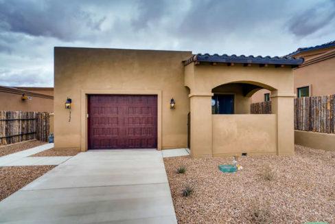 3152 Viale Tresana Santa Fe NM-small-001-001-Exterior Front-666x445-72dpi