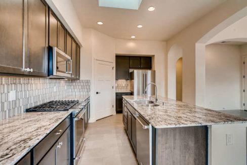 3152 Viale Tresana Santa Fe NM-small-008-010-Kitchen-666x445-72dpi