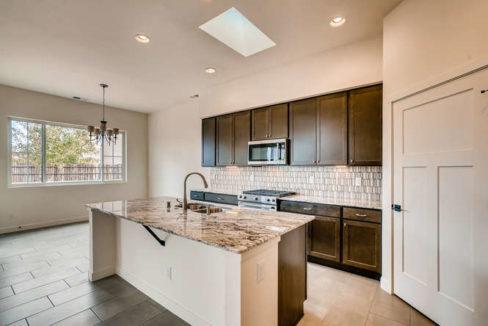 3152 Viale Tresana Santa Fe NM-small-010-023-Kitchen-666x445-72dpi