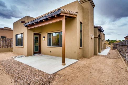3152 Viale Tresana Santa Fe NM-small-018-018-Back Yard-666x445-72dpi