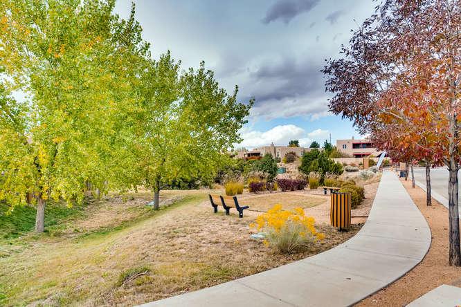 3152 Viale Tresana Santa Fe NM-small-023-022-Views-666x445-72dpi