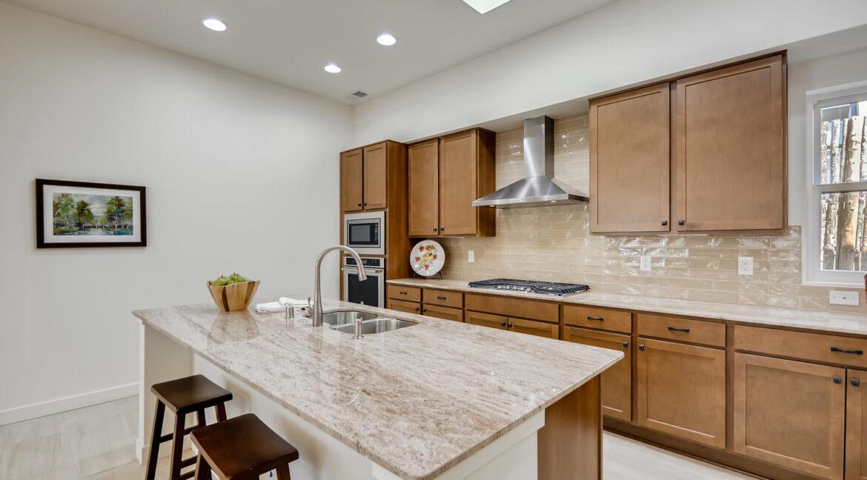 3150 Viale Tresana Santa Fe NM-large-008-003-Kitchen-1500x999-72dpi