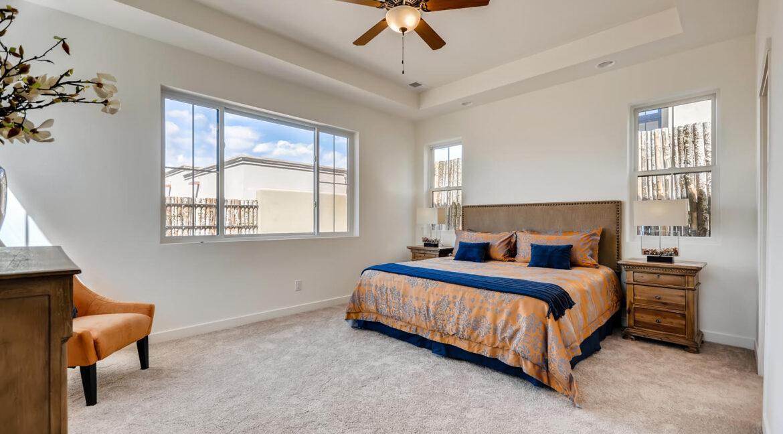 3150 Viale Tresana Santa Fe NM-large-012-010-Master Bedroom-1500x1000-72dpi