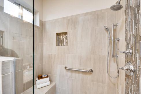 3150 Viale Tresana Santa Fe NM-large-016-009-Master Bathroom-1500x999-72dpi