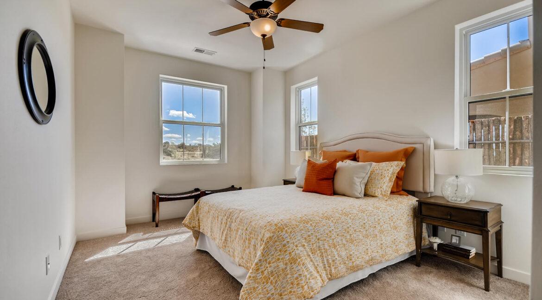 3150 Viale Tresana Santa Fe NM-large-017-008-Bedroom-1500x999-72dpi