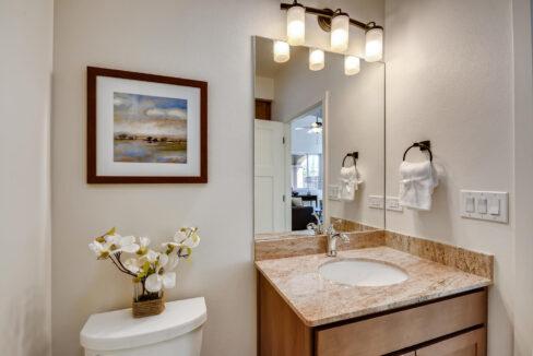 3150 Viale Tresana Santa Fe NM-large-019-021-Bathroom-1500x999-72dpi