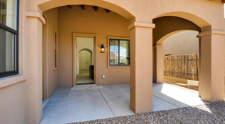 3150 Viale Tresana Santa Fe NM-large-021-013-Patio-1500x998-72dpi